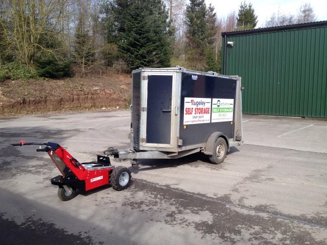 El remolcador MUV Trailer Mover con remolque de eje simple de 1.000 kg