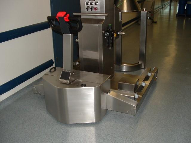 El equipo PowerTug de acero inoxidable para equipos farmacéuticos en Wyeth
