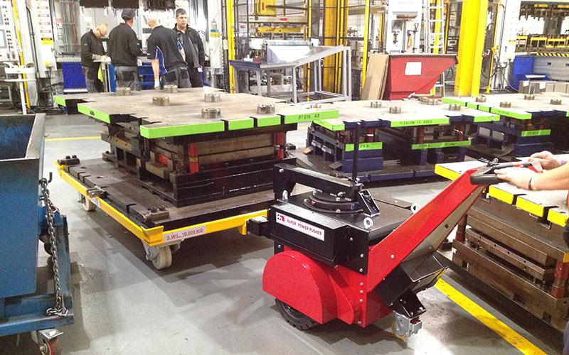 El empujador Super Power Pusher con brazo de dirección moviendo herramientas de prensa 10T para Vaillant UK